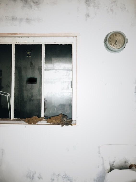アンティークの室内窓