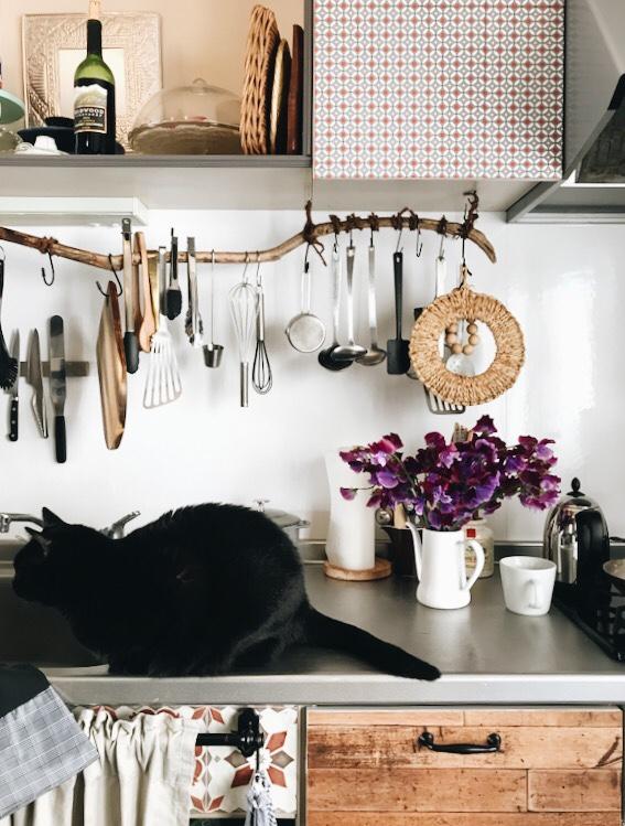 キッチンに飾ったスイートピー
