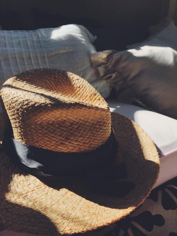 ローラハットの帽子