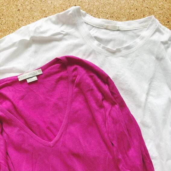 TシャツとジョンスメドレーのVネックセーター