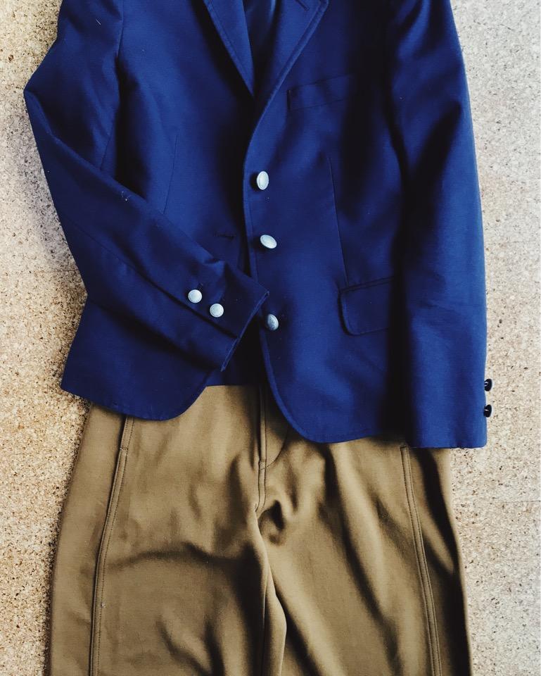 ジャケットとカーブパンツ