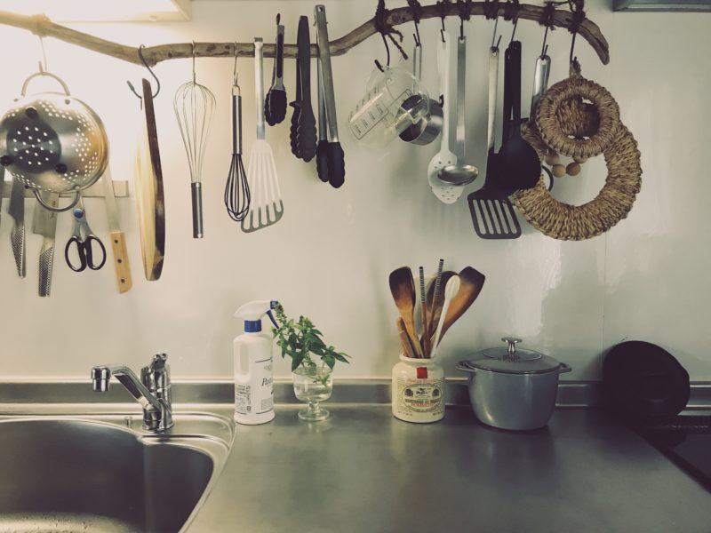 キッチンツールと作業台