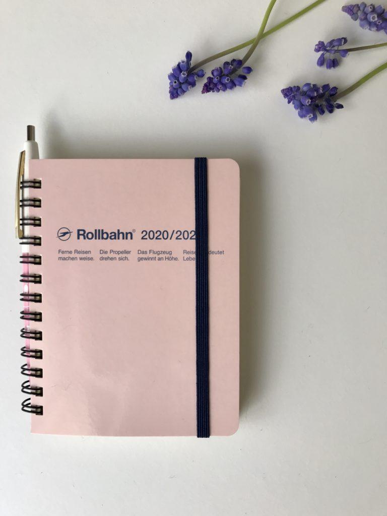Rollbahnの手帳とムスカリ