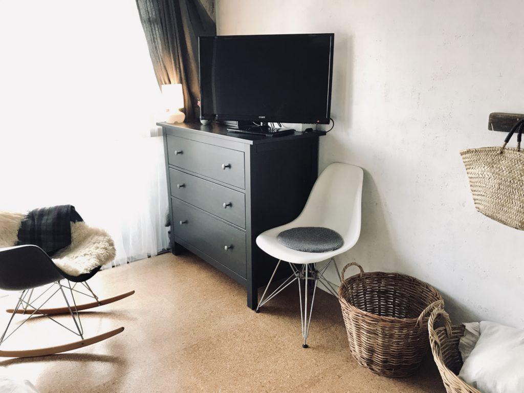 パリ風インテリアとミッドセンチュリー家具