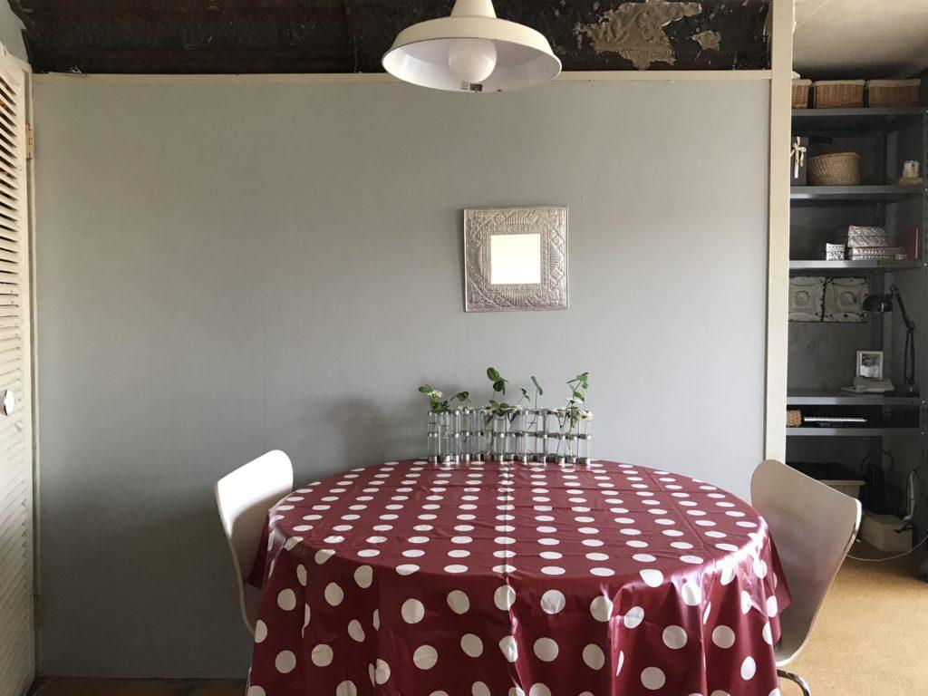 パリ風インテリアダイニングテーブル
