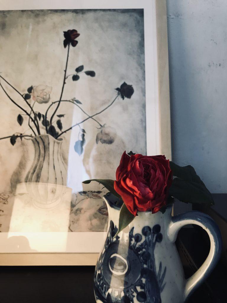 パリ風インテリアのバラ