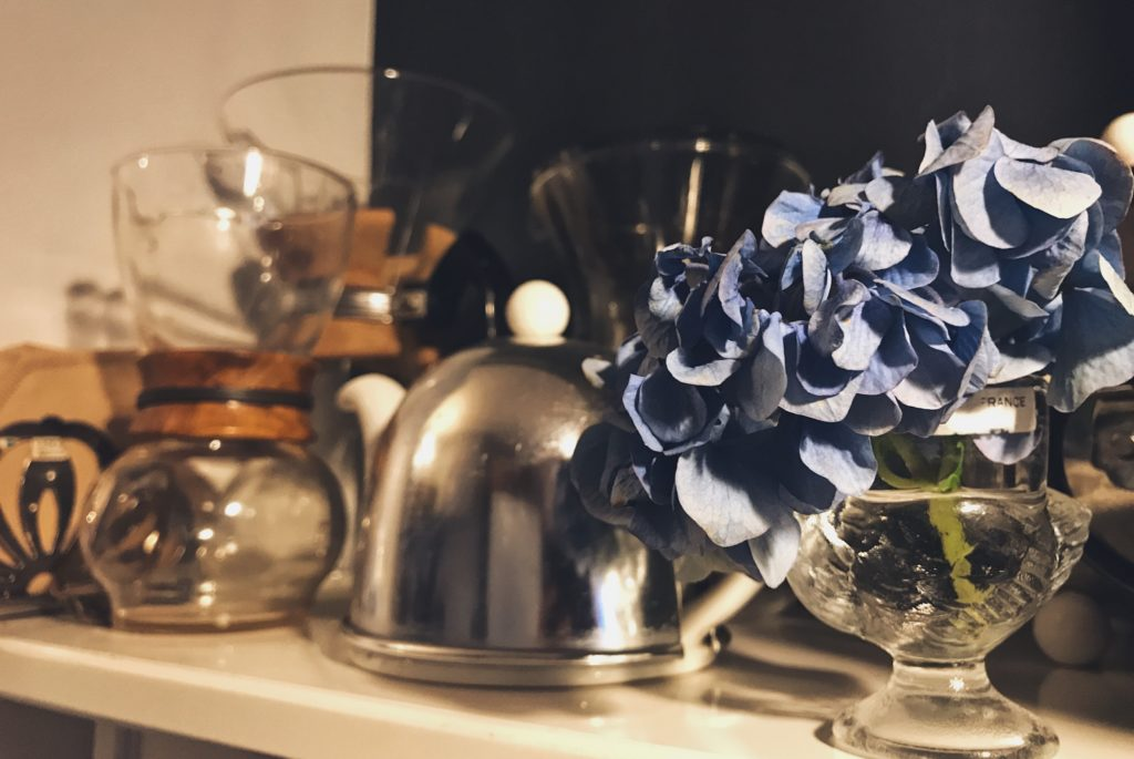 パリ風キッチンの棚