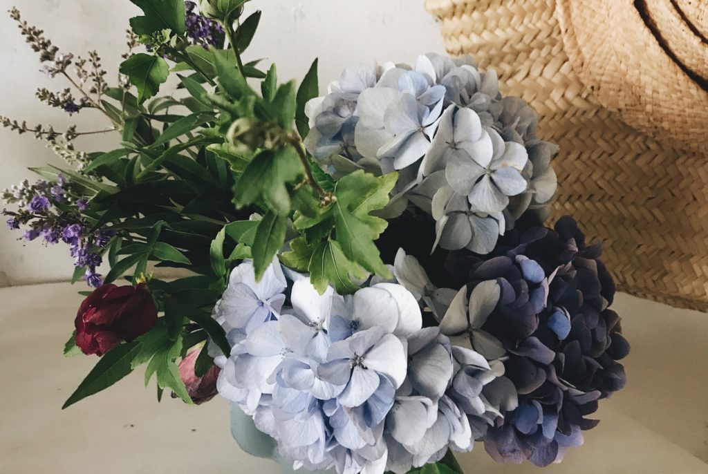 紫陽花ブーケ薄いブルー