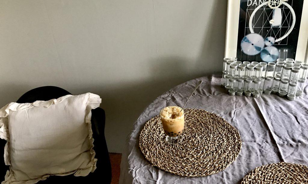 パリ風インテリア テーブルクロス