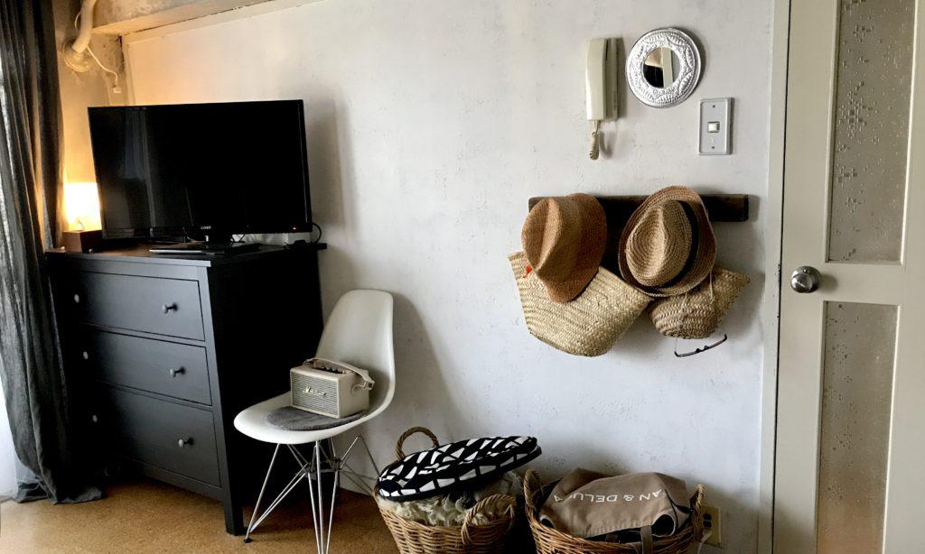 パリ風インテリア イームズの椅子
