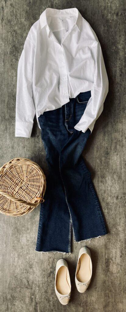ユニクロ+Jの白シャツとデニムのコーデ50代1週間コーデ