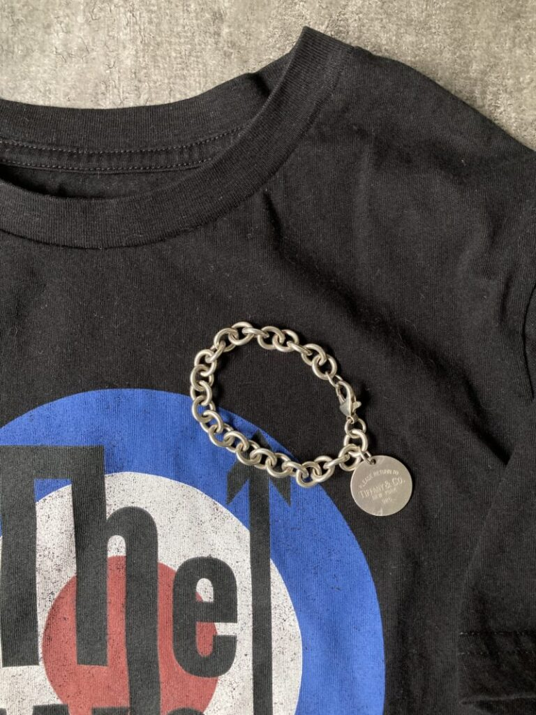 GUのロックTシャツ