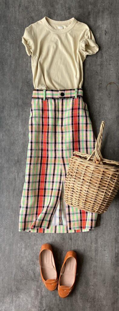 50代通勤コーデZARAのチェックのスカート